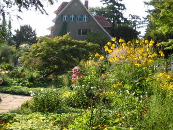 Blick vom Garten auf Karl Foersters Haus  Potsdam-Bornim